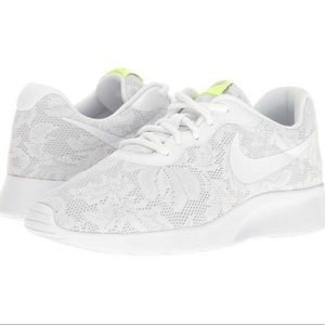 Nike Roshes White Lace